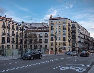 coches o bicicletas en la ciudad